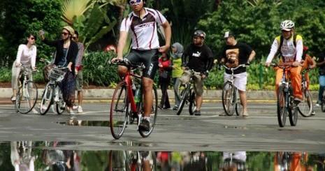kegiatan-car-free-day-dilmanfaatkan-warga-untuk-bersepeda-ilustrasi-_130222161310-545